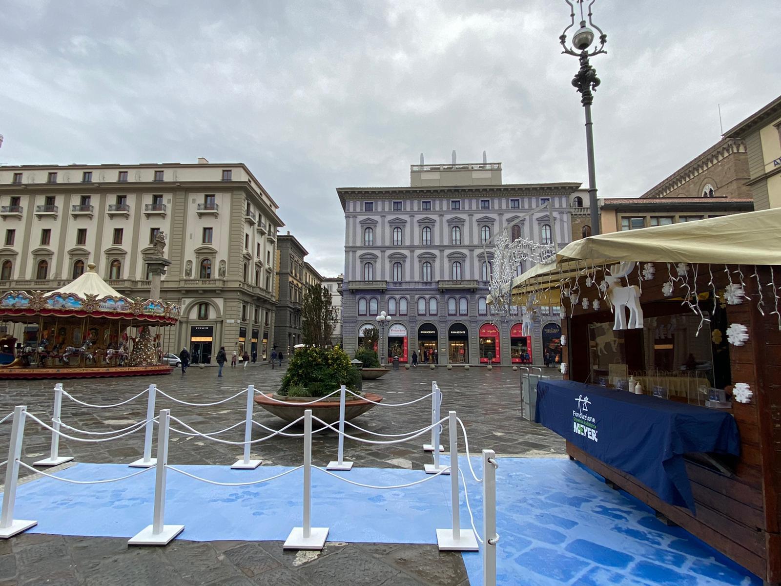 """In piazza della Repubblica la """"Capanna di Natale"""" della Fondazione Meyer"""